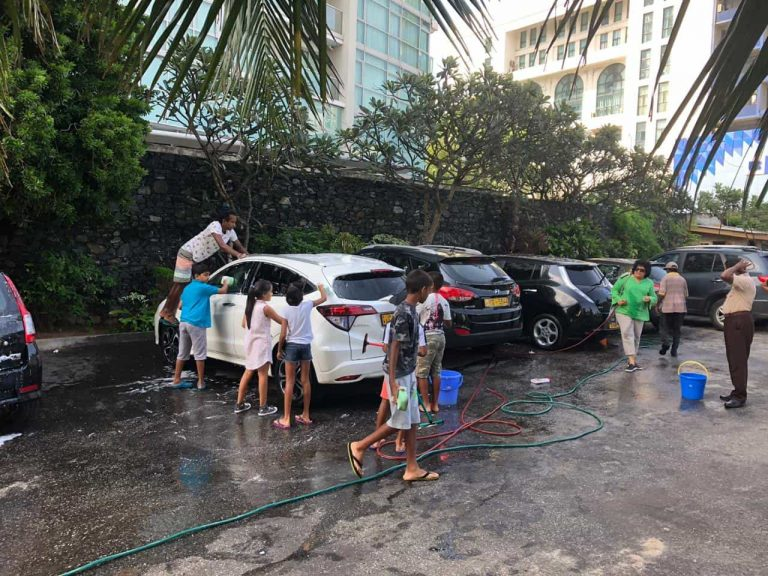 St. Andrew's Scots Kirk Sunday School Car Wash